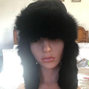 Surell black fur trimmed hat